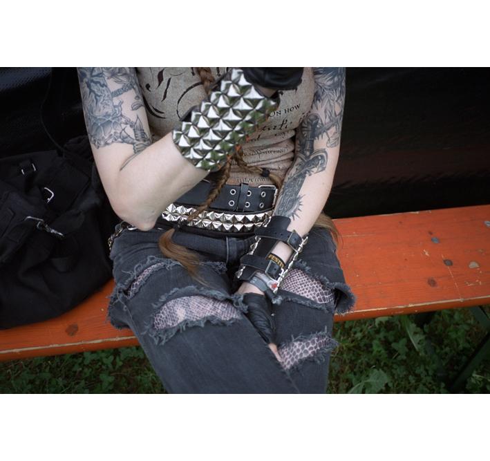 http://dennisduijnhouwer.com/files/gimgs/137_rockpak-voidfest-site.jpg